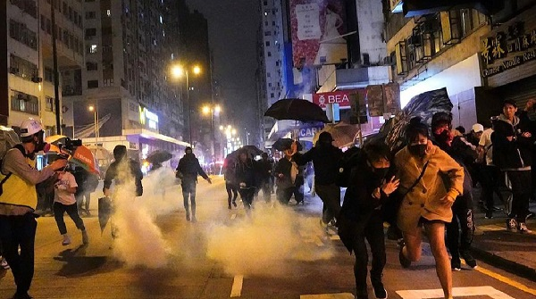 Hong Kong protests: Police watchdog clears officers over crackdown