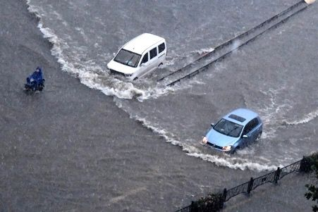 Heavy rains cause flooding in China